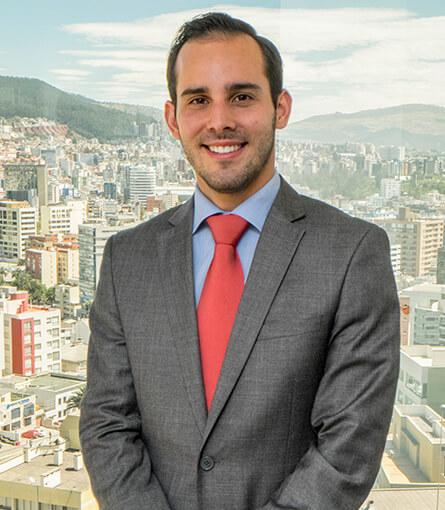 Juan Fernando Larrea Savinovich